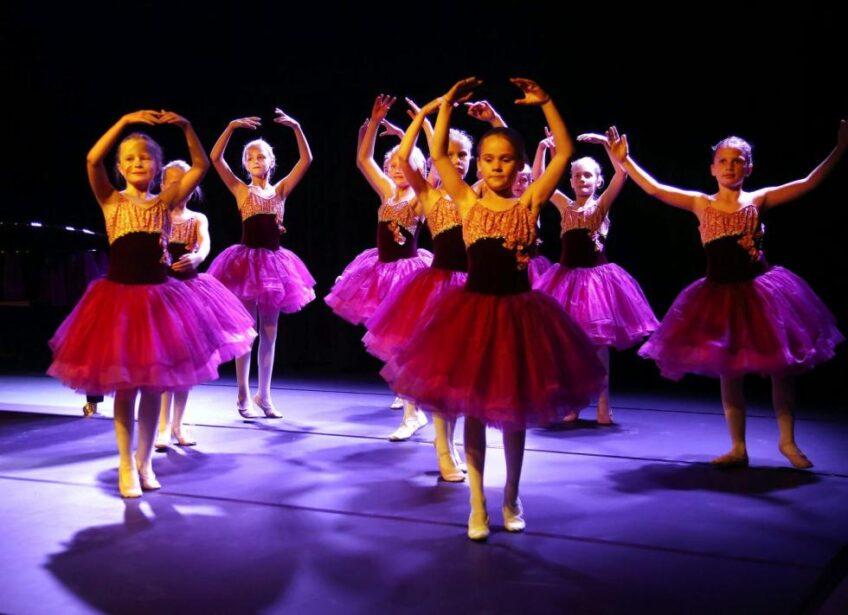 Kirsti Skulleruds danseskole balettpikene